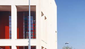 Abitazione privata;: Condominio in stile  di Scaglione Workshop architettura e design