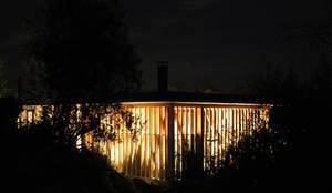 CASA MALLARAUCO - diseño y construcción - Mallarauco / Melipilla / Santiago: Casas de estilo  por ALIWEN arquitectura & construcción sustentable - Santiago