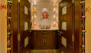Pooja Room Designs :  Corridor & hallway by The KariGhars,