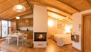 Dormitorio con encanto en la Buahardilla del Huécar. Cuenca: Casas pequeñas de estilo  de Arte y Vida Arquitectura