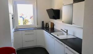 Viel Küche auf engstem Raum:  Einbauküche von higloss-design.de - Ihr Küchenhersteller