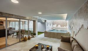 OOIIO Arquitectura en Madrid의  수영장,