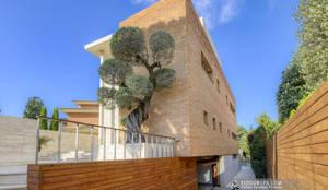 Casa de diseño en la provincia de Barcelona: Casas unifamilares de estilo  de Carlos Sánchez Pereyra | Artitecture Photo | Fotógrafo