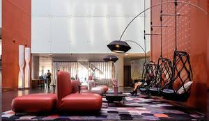Restyling del lobby del Hotel W: Hoteles de estilo  de Cubiñá, muebles de diseño en Barcelona,