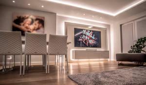 Exklusive Lichtplanung einer Designer Wohnung:  Wohnzimmer von Moreno Licht mit Effekt - Lichtplaner