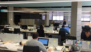 Zona de trabajo: Edificios de oficinas de estilo  de Dasepa Construcciones y reformas en Madrid