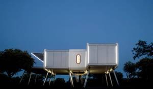Diseño interestelar para hacer volar la imaginación de sus habitantes: Electrónica de estilo  de Domonova Soluciones Tecnológicas