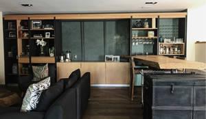 A_7: Salas de estilo  por Onno Arquitectos, Moderno