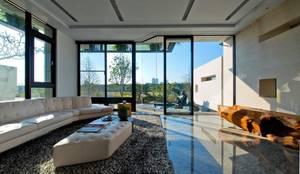 室內設計北歐風:  客廳 by 大桓設計顧問有限公司