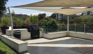 Pérgolas para jardín : Terrazas de estilo  por G&L MACOF