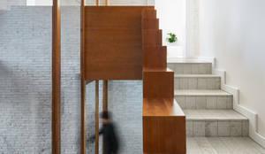 Cầu thang theo Hiha Studio,