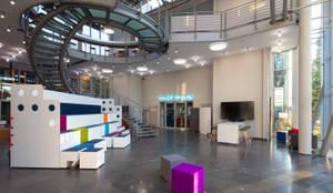 FOYER:  Bürogebäude von _WERKSTATT FÜR UNBESCHAFFBARES - Innenarchitektur aus Berlin,