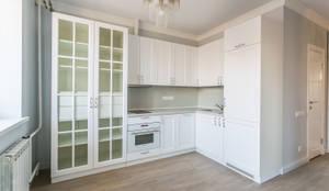 Ремонт квартиры 60 кв. метров в Москве: Кухни в . Автор – Ремонт и дизайн квартир с ICON, Классический