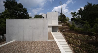 TOMOAKI  UNO  ARCHITECTS