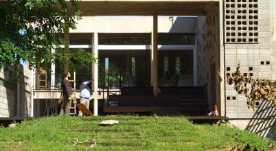 Rr+a  bureau de arquitectos—La Plata