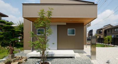 Nhà đẹp tháng 9: Nhà phố 2 tầng với mặt tiền ốp kim loại đẹp mắt
