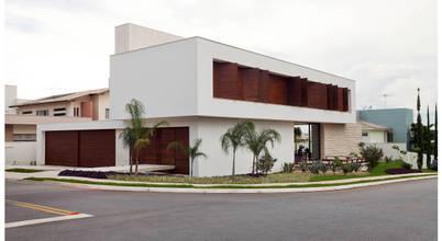 ANDRÉ BRANDÃO + MÁRCIA VARIZO arquitetura e interiores