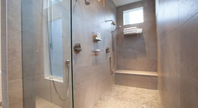 Cleaning guide: how to clean your glass shower doors properly?