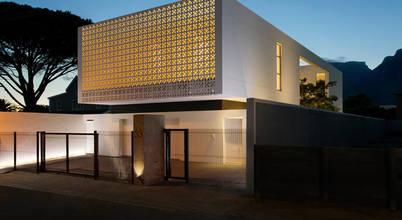 Nhà đẹp tháng 9: Thiết kế nhà 2 tầng hiện đại trên khu đất 340m2