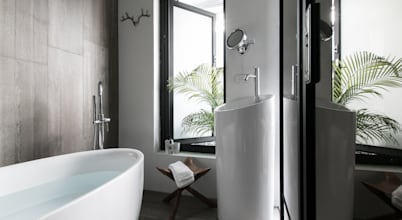 10 wonderful loos with bathtubs