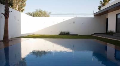 Toyka arquitectura arquitectos en saltillo homify for Cuanto sale construir una piscina