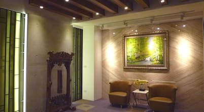 入口等候區:  走廊 & 玄關 by Hi+Design/Interior.Architecture. 寰邑空間設計
