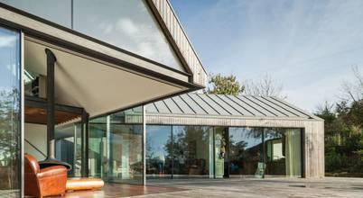 4 casas integradas feitas com madeira modificada Lunawood - solução ecológica