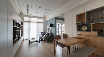 木地板串聯客餐廳 達到視覺放大:  客廳 by 耀昀創意設計有限公司/Alfonso Ideas