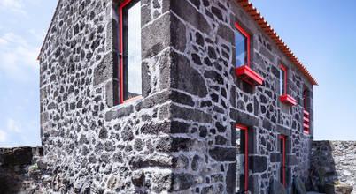 Casa antiga com recuperação perfeita nos Açores