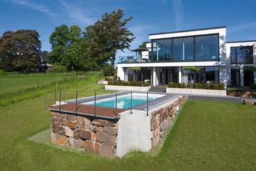 Hesselbach gmbh remscheid projekte for Gartenpool eingelassen