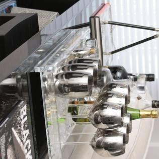 LIVING - Aparador Bar Salas de estar modernas por Fernanda Moreira - DESIGN DE INTERIORES Moderno Madeira Efeito de madeira