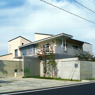 RC造の三世代住宅|六条の家: シーズ・アーキスタディオ建築設計室が手掛けた家です。