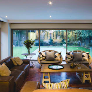 9 Smart Layouts For Small Living Rooms
