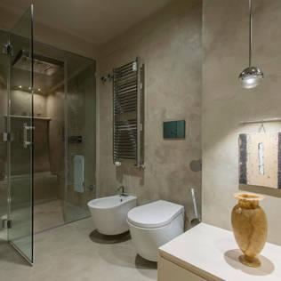 Vista del bagno padronale con doccia Hammam: Bagno in stile di Archifacturing