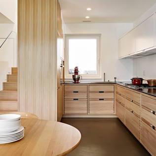 Cucina - Come cambiare colore ad una cucina in legno ...