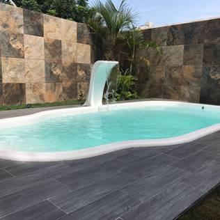Casa moderna encantadora com spa privativo for Costos de piscinas