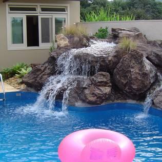 Piscinas albercas art culos tips e informaci n homify for Cuanto sale hacer una piscina en chile