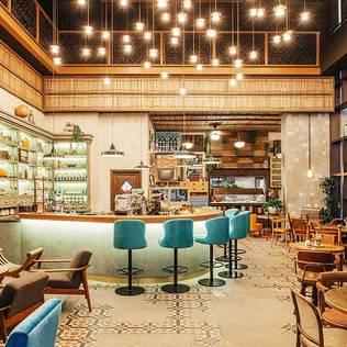 SIKKA CAFE DUBAI Mediterrane Gastronomie von ADASAN Mediterran