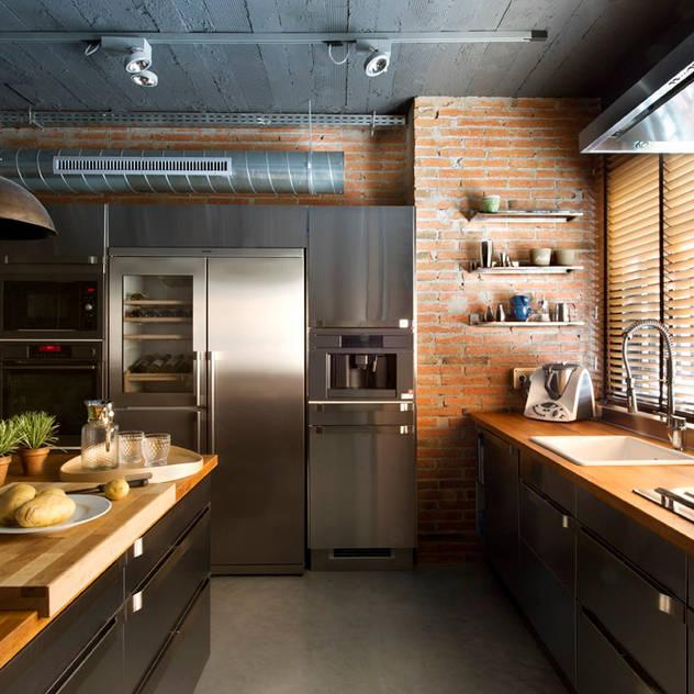 Nhà bếp phong cách mộc mạc bởi Egue y Seta Mộc mạc