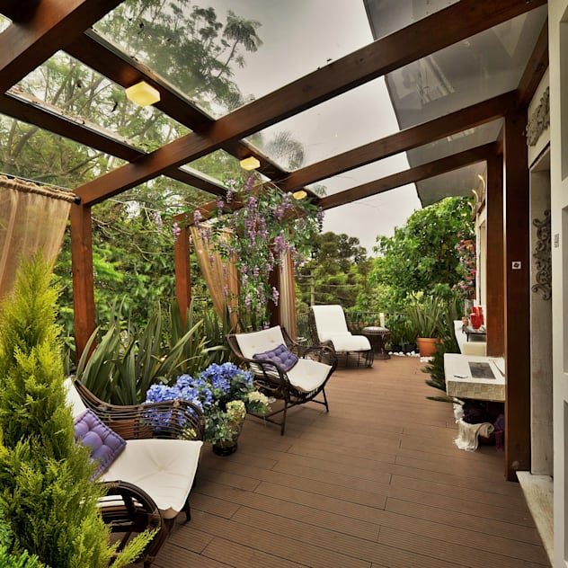 MORAR MAIS POR MENOS - VARANDA : Terraços  por Bender Arquitetura