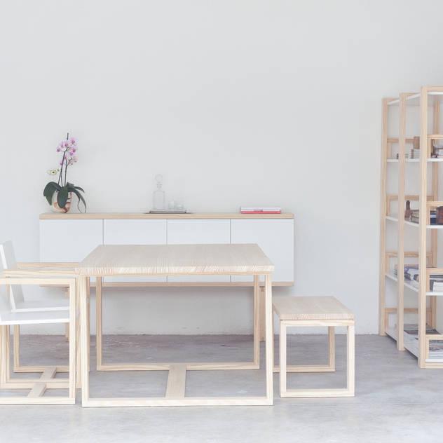 Phòng khách phong cách tối giản bởi Design for Craft and Industry Tối giản