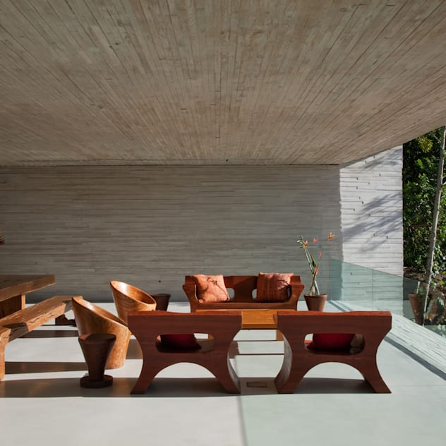Paraty House: Terraços por Studio MK27
