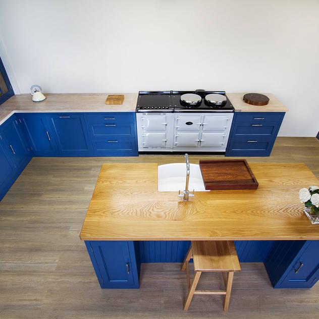 مطبخ تنفيذ NAKED Kitchens