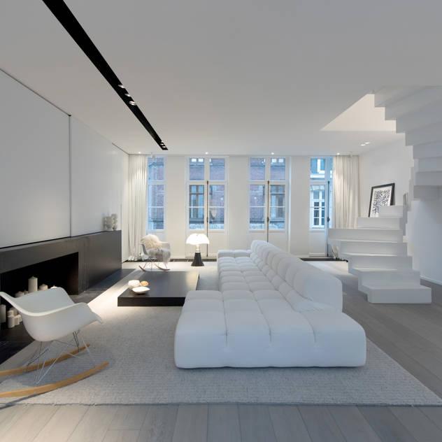 Salas de estar modernas por mayelle architecture intérieur design
