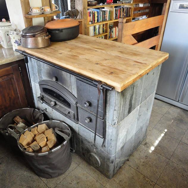 rustic Kitchen by zanella architettura