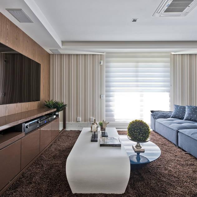 غرفة الميديا تنفيذ Samara Barbosa Arquitetura