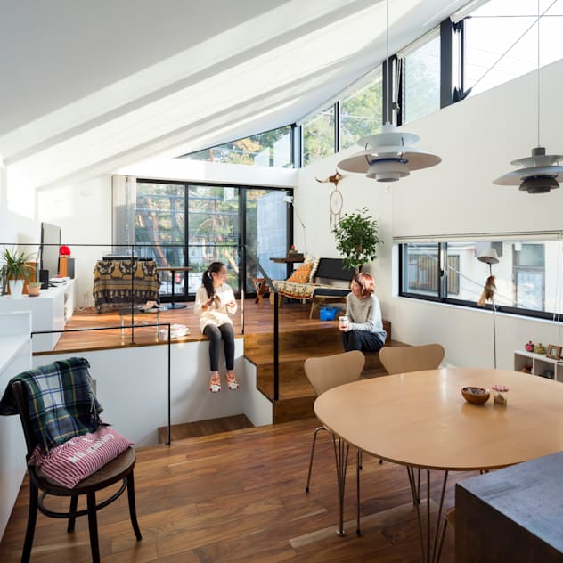 仙川の家: Studio R1 Architects Officeが手掛けたリビングです。