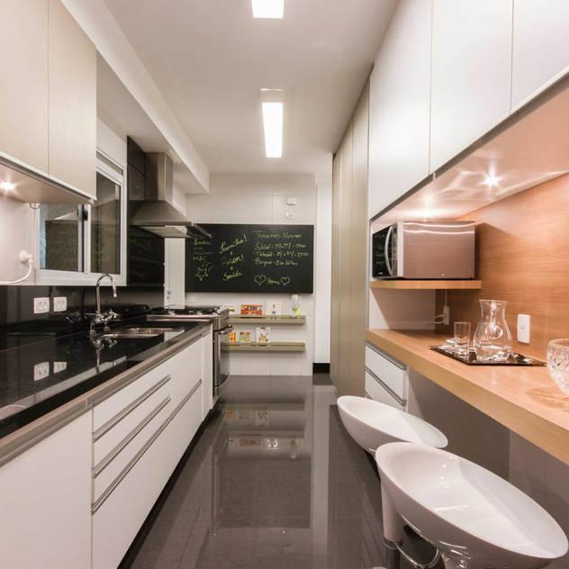 Cocinas de estilo moderno de Luni Arquitetura