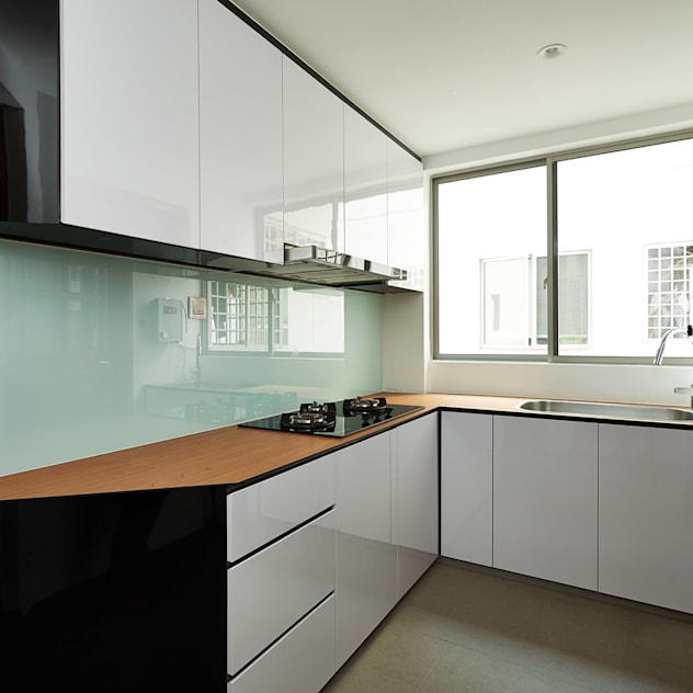 Nhà bếp phong cách hiện đại bởi Eightytwo Pte Ltd Hiện đại