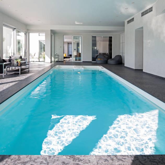 Hồ bơi phong cách hiện đại bởi Löchte GmbH Hiện đại